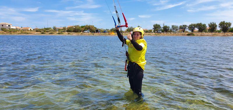 Cours de Kitesurf Enfants et Ados : apprentissage en eau peu profonde