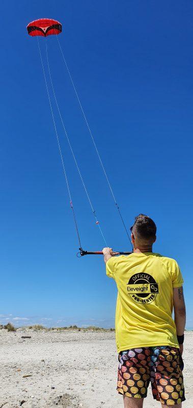 Le cerf volant de traction, préambule au pilotage du kite.