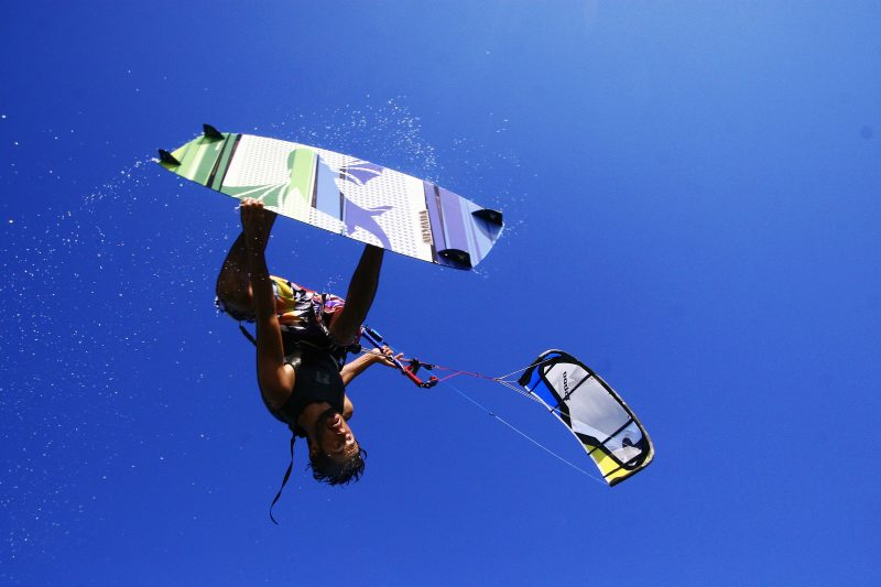 cours perfectionnement en kitesurf à frontignan
