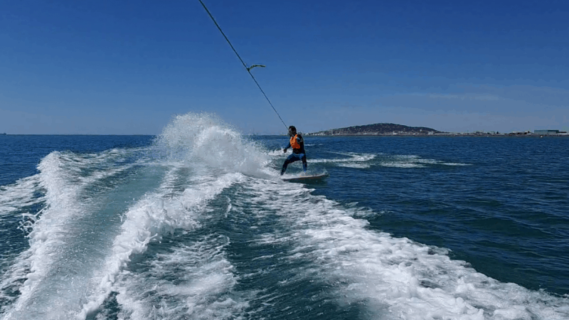 wake surf à frontignan au tiki center