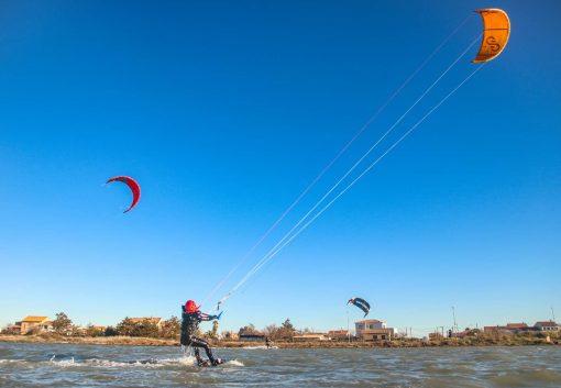Session Kite Surf à l'étang d'Ingril avec le Tiki Center.
